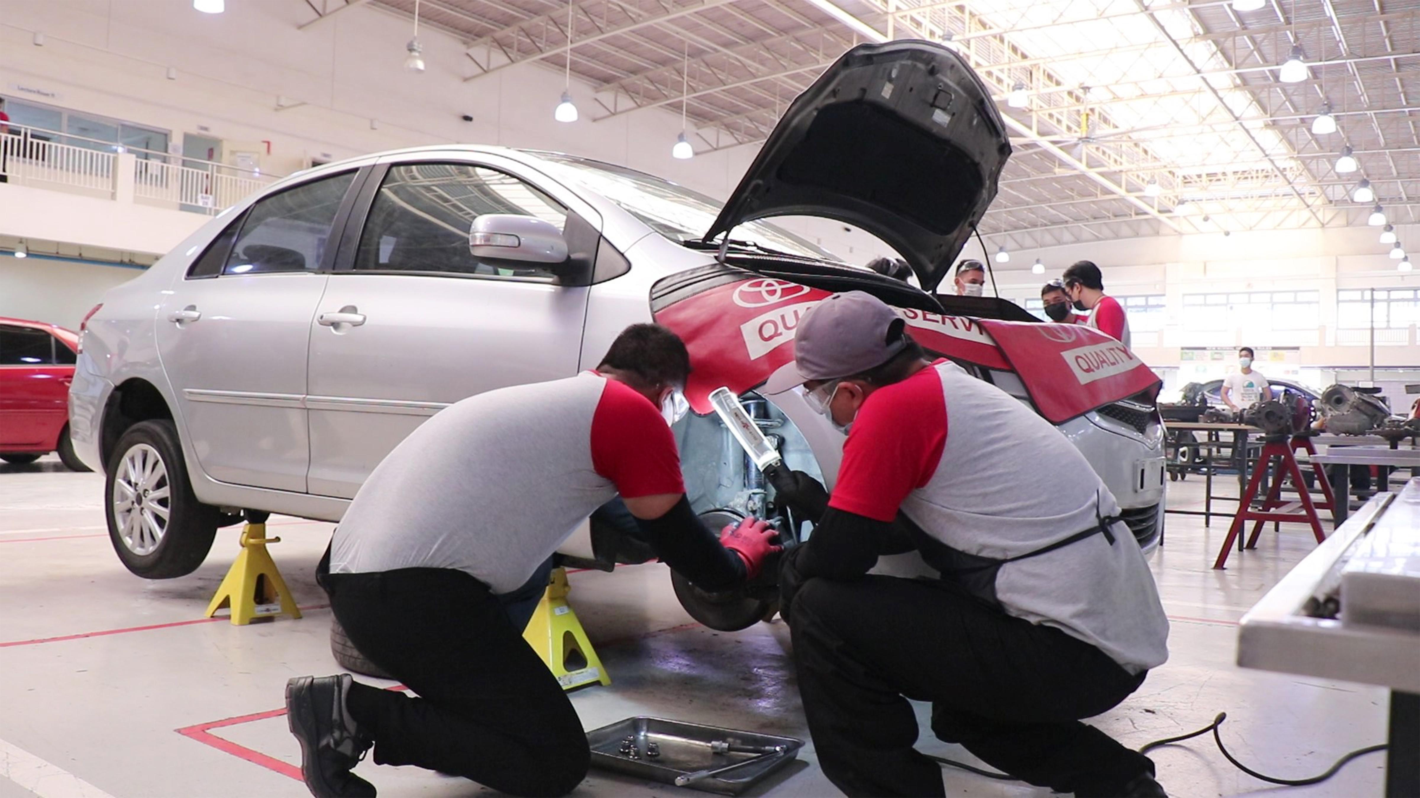 TMP Tech Receives National Accolade for TESDA Automotive Course